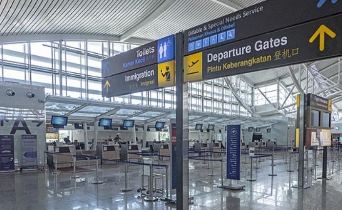 Aéroport, aéroport de Bali, Aéroport international Ngurah Rai, denpasar, Services