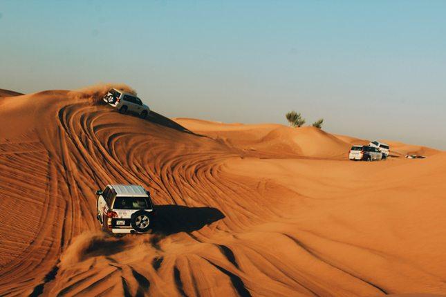 besoin d'un visa dubaï avec un passeport tunisien désert dune