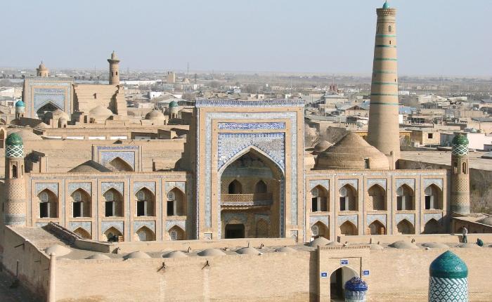 circuit accompagné en ouzbékistan, découvrir l'ouzbékistan, itchan kala, khiva, voyage en asie centrale, l'ensemble islam khodja