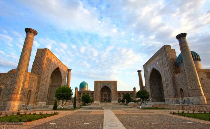 circuit découverte ouzbékistan, circuit ouzbékistan, registan, samarcande, voyage en ouzbékistan, la place registan