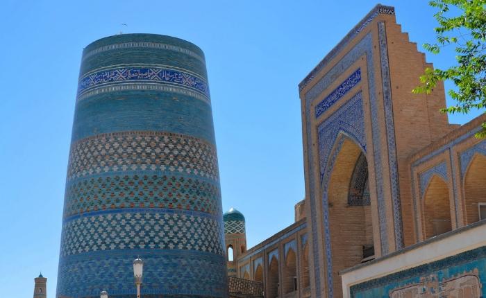 à voir à khiva en ouzbékistan, incontournables khiva, itchan kala, kunya ark, madrasa, séjour ouzbékistan, mosquée mohamed amin khan