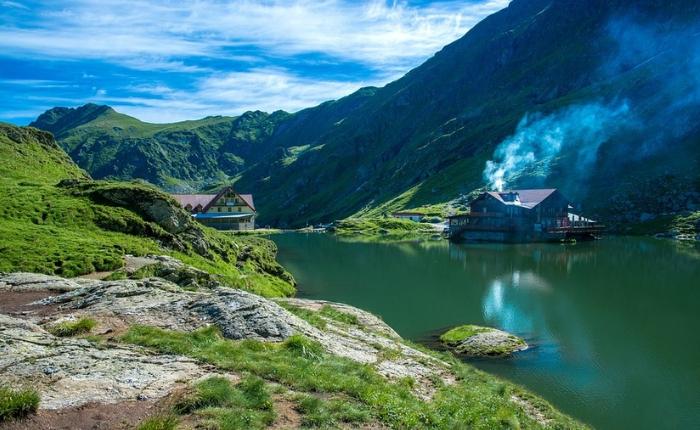 les meilleures destinations pour le mois de juillet, où partir, où partir en juillet, partir en roumanie