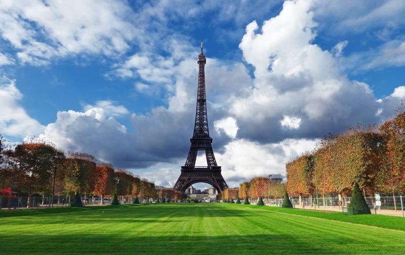 monument historique paris tour eiffel