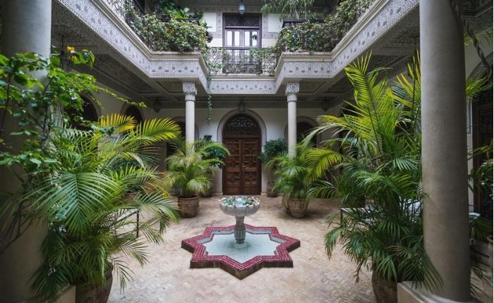à voir à faire à Marrakech, incontournables, Jemaa el Fna, Koutoubia, maroc, Marrakech, médina Marrakech, quoi faire, le jardin de majorelle , la mederssa ben youcef, les souks de la medina, riad marocain