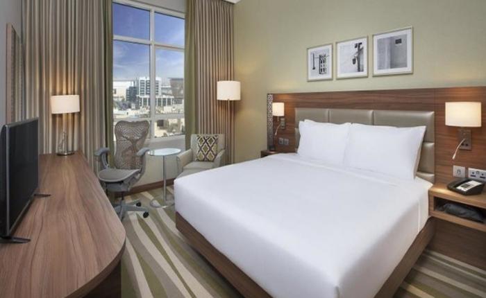 sejour dubai pas cher en septembre hotel hilton dubai inn muraqabat by opener24. Black Bedroom Furniture Sets. Home Design Ideas